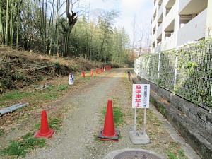 千里川側からの入り口