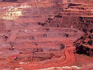 鉄鉱石の採石場