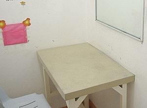 教室は小さな個室