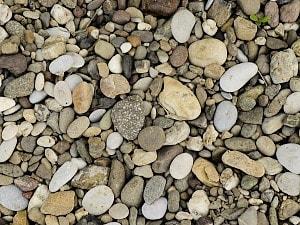石から宝石が