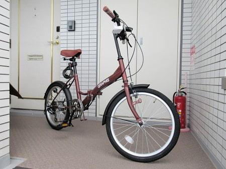 組み立て完了の折りたたみ自転車