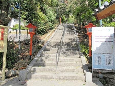 天神社の階段